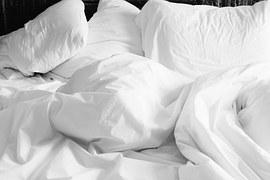 pillows-820149__180